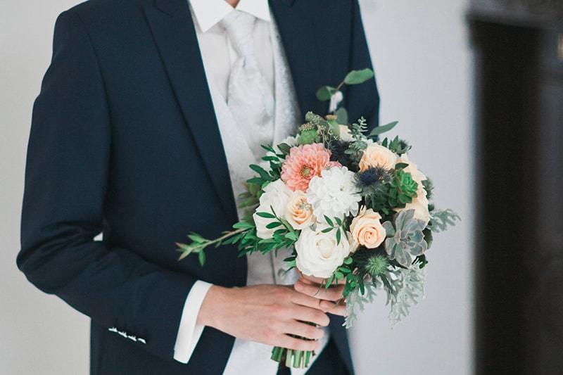 Svadobný oblek pre ženícha  kompletný sprievodca výberom  982228f75e
