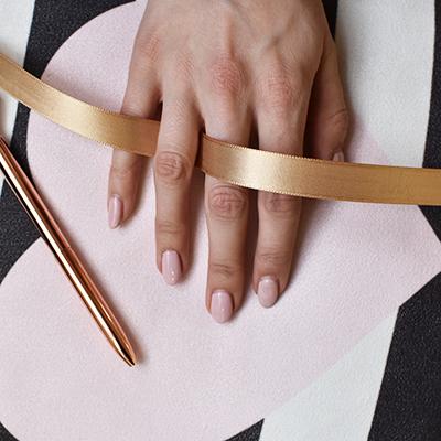 0ea2fe5bd8c46 12 spôsobov ako zistiť správnu veľkosť prsteňa (aj tajne) | Eppi.sk